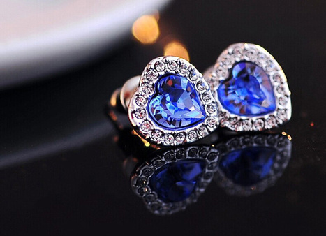 Ocean Blue Heart-shaped Swarovski Crystal Earrings - DearyBox | Jewellery On-line Boutique Shop | DearyBox.co.uk | Women's Earrings | Scoop.it
