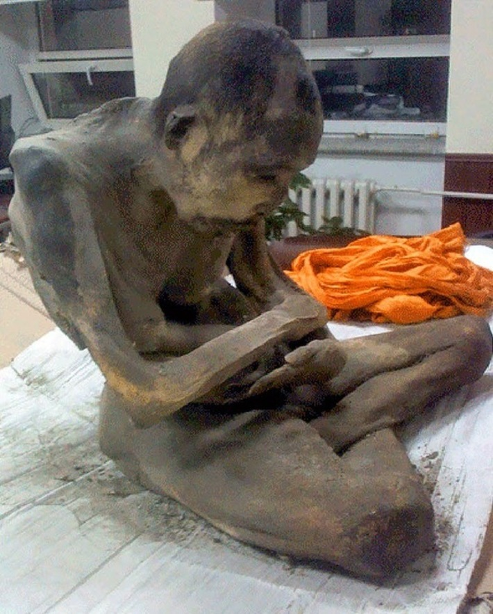 Mummified corpse of 200 year old 'meditating monk' found in Mongolia | The Archaeology News Network | Kiosque du monde : Asie | Scoop.it