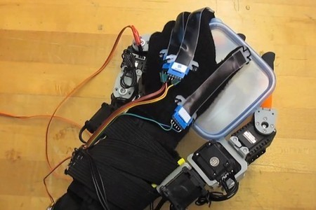 MIT adds two robotic fingers to the human hand | Longevity science | Scoop.it