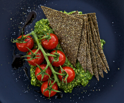 Fennel Chia Seed Crackers with Rocket (Arugula) Pesto | Vegetarianism | Scoop.it