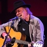 Prominent Canadians support Neil Young's anti-oil sands campaign