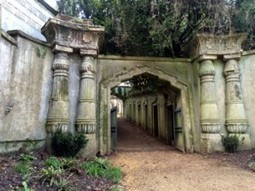 A Walk Among The Tombstones - Highgate Cemetery | Modern Ruins | Scoop.it