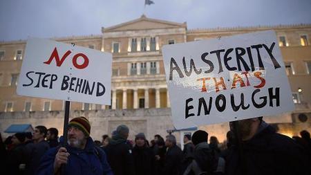 Greeks spend in droves, afraid of losing savings   EconMatters   Scoop.it