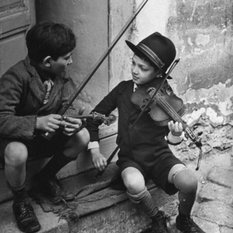 Gypsy Children Playing Violin in Street – Pinterest Photography | Pinpopular | Scoop.it