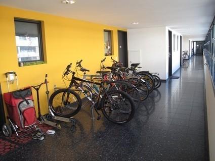 GRACQ - NEWS-2013-12 - L'immeuble parfait pour cycliste   Habitats de demain   Scoop.it