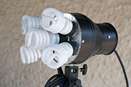 Build A CFL Based Continuous Light Source | Photography Gear News | Scoop.it