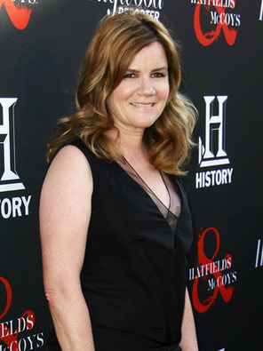 'Under the Dome' Books Mare Winningham | World of Stephen King | Scoop.it
