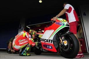 Poll: Can the Rossi/Ducati partnership work? | crash.net | Ductalk Ducati News | Scoop.it
