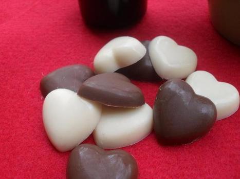 Milk Chocolate and  White Chocolate Heart Coffee Drops on Handmade Artists' Shop | chocleo | Scoop.it