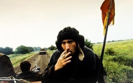 Sur scène, un photoreporter voyage en Tchétchénie et dans l'absurde | Reportages photos | Scoop.it