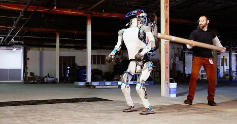 Boston Dynamics' New Robot Is Wicked Good at Standing Up to Bullies | STEAM | Scoop.it
