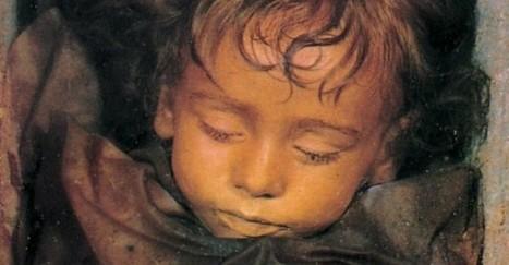 C'è una mummia che apre gli occhi: Palermo grida al miracolo | Beezer | Scoop.it