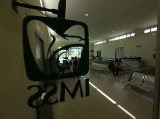 Calcula IMSS que le quedan reservas para cuatro años | Recursos Humanos México | Scoop.it