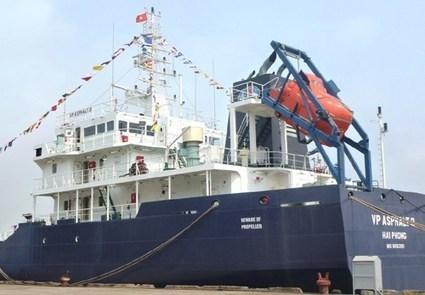 Vietnamese crewman shot dead in pirate attack off Singapore | Maritime piracy | Scoop.it