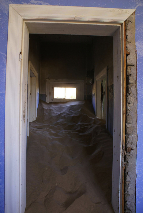 Devoured By The Desert: Creepy Kolmanskop Ghost Town (21 PICS) | Everything Photographic | Scoop.it