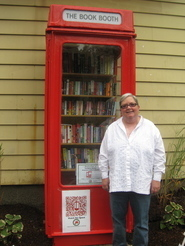 """Peter Scott's Library Blog: Town of Clinton, NY, opens """"America's Littlest Library"""" - in a British phone booth 