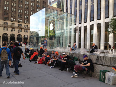 Customers queue up for iPhone 5 outside Apple's Fifth Ave store | News of the Web | Scoop.it