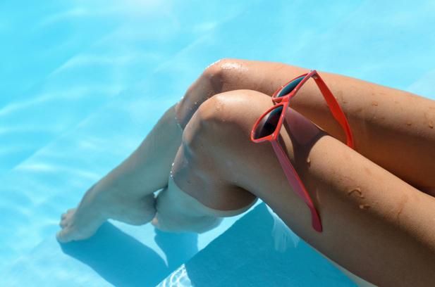 Фото ноги в бассейне 16 фотография