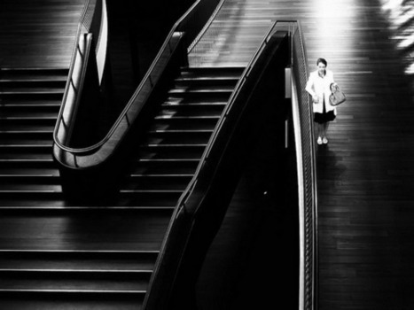Black and white street photography by Martin Weibel | Urban Decay Photography | Scoop.it