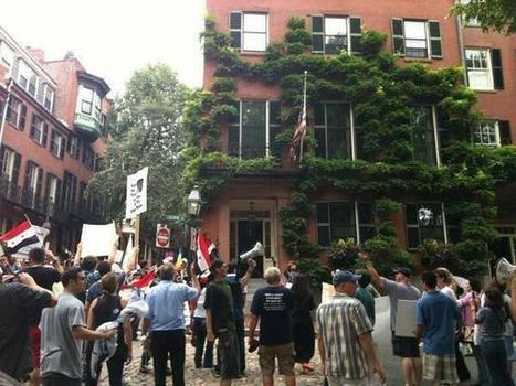 Anti-War Protesters Knock on John Kerry's Door in Boston, Media Mostly Mum | War Against Islam | Scoop.it