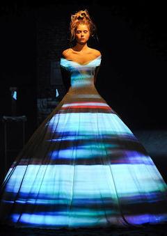 Light Show+Different designs in one dress   Digital art   Scoop.it
