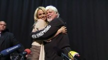 Pamela Anderson Campaigns for Detained 'Sea Shepherd' Captain | Nature Animals humankind | Scoop.it