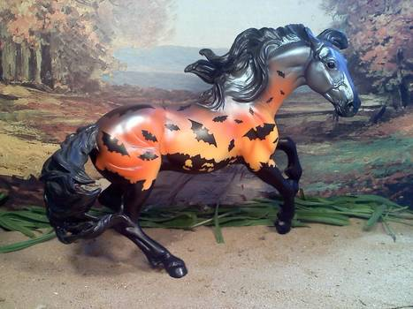 Collectible Special Run Halloween Horses In Traditional and Stablemate Scales | Horse and Rider Awareness | Scoop.it
