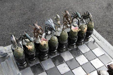 Alien vs. Predator Chess Set | All Geeks | Scoop.it