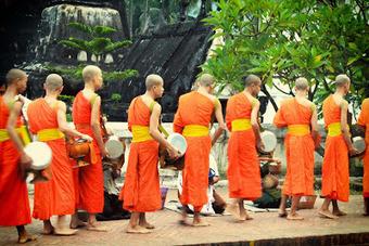 Ceremonia de entrega de limosnas de Luang Prabang | Laos | Scoop.it