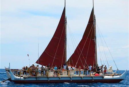 Traditional Hawaiian Canoe Set to Begin Round-the-World Adventure | 10dayads.com Blog | Interesting Topics | Scoop.it