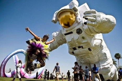 Giant Astronaut Installed for Coachella 2014 |The Odd Blogg | Arts | Scoop.it