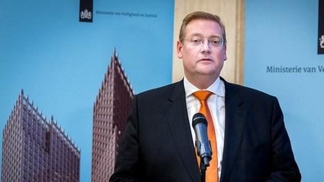 Minister Van der Steur mag belang in antiquariaat houden | Parlement, Politiek en Europa | Scoop.it