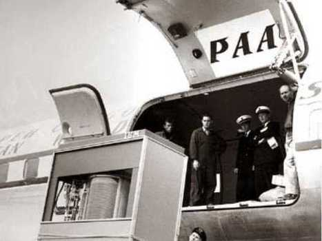 You'll Enjoy This Picture Of An IBM Hard Drive Being Loaded Onto An Airplane In 1956 | Technology in Education | Scoop.it