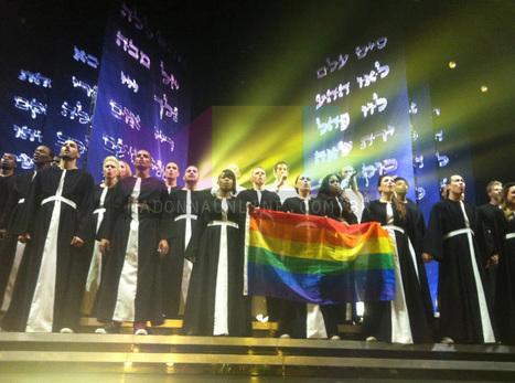 Madonna Online » Madonna será processada por ter feito propaganda gay no show em São Petersburgo | A Propaganda e os negros, mulheres e gays | Scoop.it