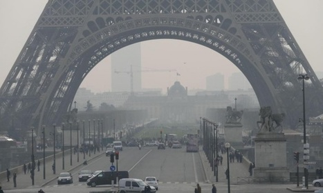 Eiffel Tower shrouded in smog as Paris pollution spikes | AFP | The Guardian | Permaculture, Homesteading & Green Technology | Scoop.it