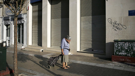 Greece closes banks after bailout talks break down - FT.com | European Political Economy | Scoop.it