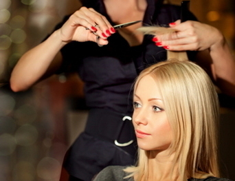 La coiffure se fait des cheveux blancs - Bien Public | Coiffure | Scoop.it