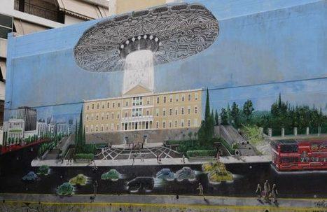 Το γκράφιτι που έγινε viral: Εξωγήινοι απαγάγουν τους Έλληνες βουλευτές   something to look out for   Scoop.it