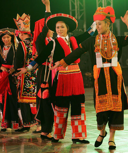 Ethnic costumes on show - Ethnic costumes on show - VOVNEWS.VN | Personal | Scoop.it