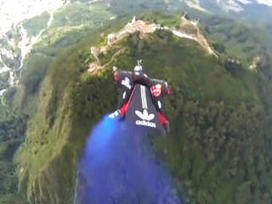 Video: Colombian daredevil performs dramatic wingsuit jump | AP HUMAN GEOGRAPHY DIGITAL  STUDY: MIKE BUSARELLO | Scoop.it
