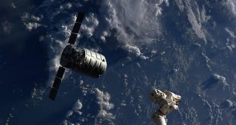 Orbital Sciences estaciona la segunda nave comercial en la ... - FayerWayer | Mathematical Economic Models | Scoop.it