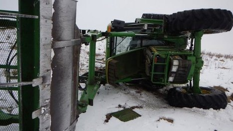 The most Canadian police chase ever: Alberta Mounties bum ride on snowmobile to chase stolen John Deere tractor | One-armed man applauds the kindness of strangers | Scoop.it