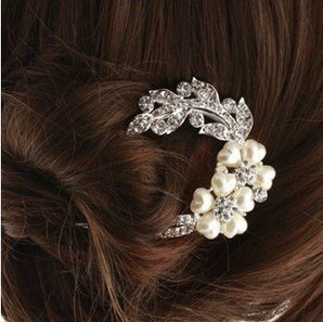 Choosing Flower Hair Accessories for Your Wedding   wedding time   Scoop.it