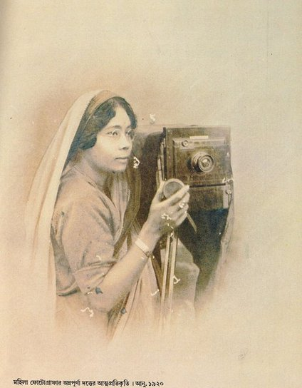 "ARTICLE | ""Zenana Studio: Early Women Photographers of Bengal"" 