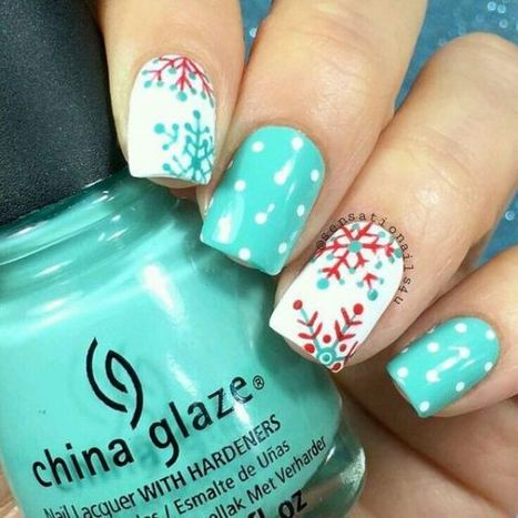 Christmas nails design 21 – Picturing Images | Fashion Home decor Tattoos Beauty Pictures | Scoop.it