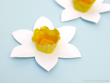 Spring Crafts for Kids | Egg Carton Daffodils | Mr Printables | crafts for kindergarten | Scoop.it