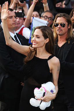 Angelina Jolie Makes First Red Carpet Appearance Since Double Mastectomy Announcement | Celeb Gossip | Scoop.it