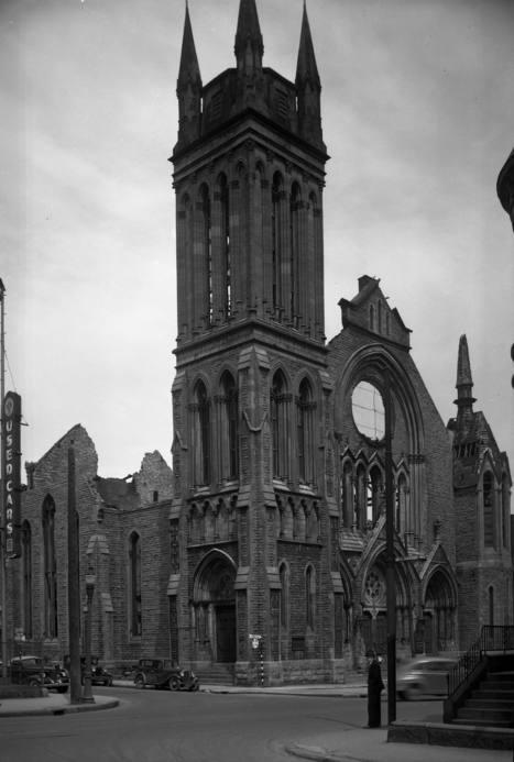 Ruines de l'Église Knox Crescent Presbyterian Church (rue Dorchester Ouest - aujourd'hui boulevard René-Lévesque Ouest - angle de la rue Crescent)   Photos ancestrales de Montréal   Scoop.it