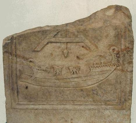 A Roman depiction of a war ship equipped with two catapults? | L'actu culturelle | Scoop.it
