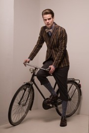 "The Royal Hem: tribute to the cult ""London Tweed Run 